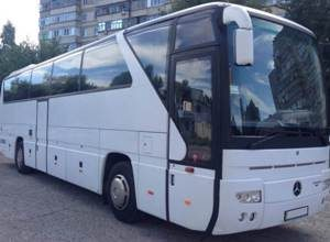 Автобус MERCEDES на 50 мест